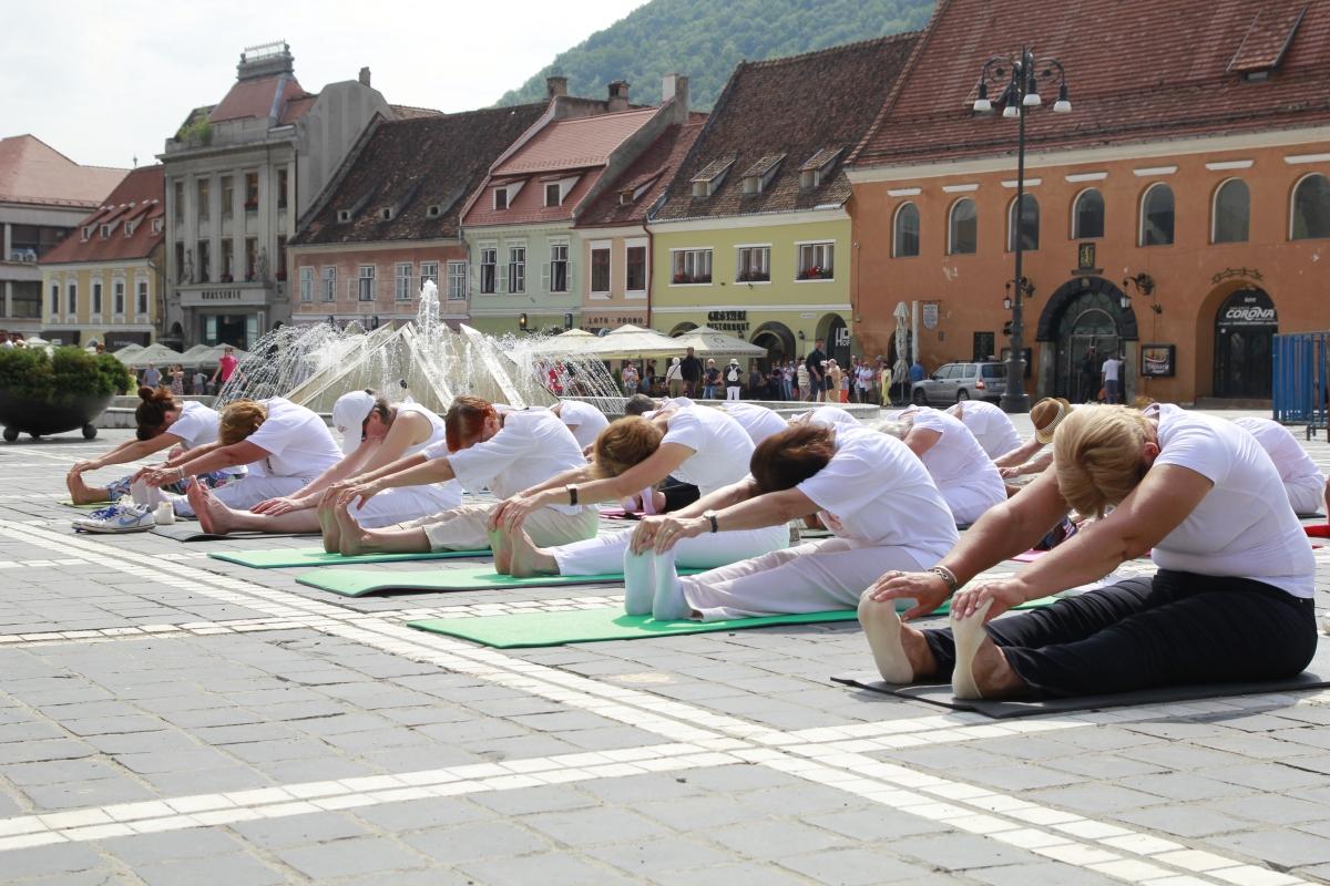 Ziua Internațională YOGA - La Brașov